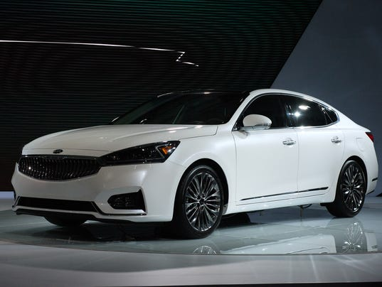 Kia restyles its cadenza flagship sedan for Kia motor company usa