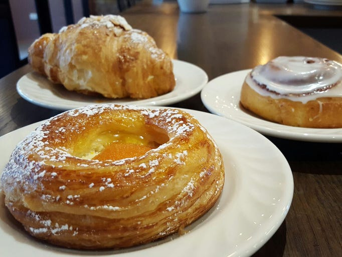 Phlour Bakery Cafe