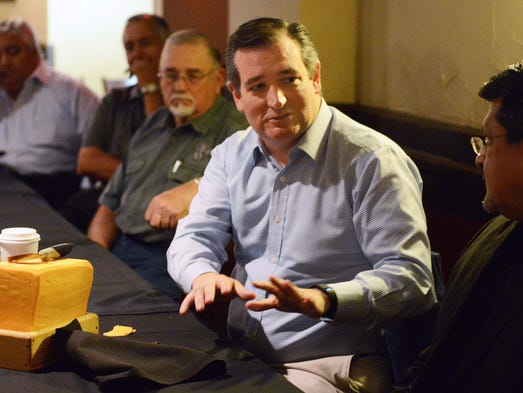 Cruz meets with local business, civic and educational