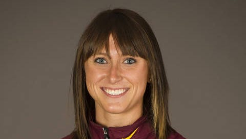 Former Sioux City East prep Shelby Houlihan captured her first NCAA championship, topping the 1,500-meter field at the NCAA Outdoor Track & Field Championships in Eugene, Ore., on Saturday.