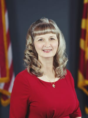 Avondale Vice Mayor Sandi Nielson died Saturday night in her home. She was elected to council in 2014.