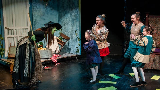 """Actors in Enter Stage Right's February 2017 production of """"Reveries of Oz."""""""