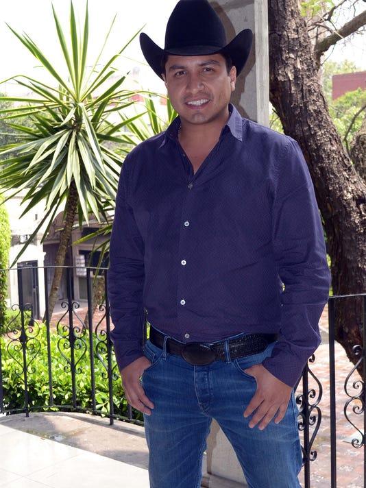 636644988356002001-Julion-Alvarez-lavoz.JPG