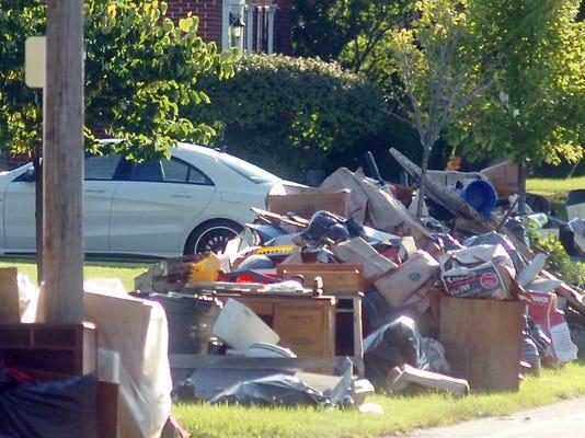 1 SOK Flood garbage.jpg