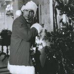 """The benighted, but ever-optimistic Clark Griswold (CHEVY CHASE) bravely tries to be of good cheer as he attempts to create the perfect Yuletide experience for his entire family in Worner Bros.' comedy """"National Lampoon's Christmas Vacation."""""""