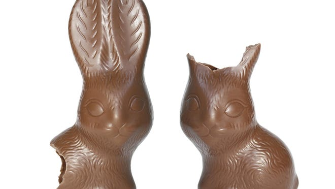 Ears first, tail last. That's how most people eat chocolate Easter bunnies, according to a survey from the National Confectioners Association.