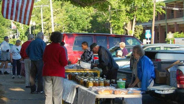 Hernando plans to use federal grant money to improve transportation options for senior citizens, giving them easier access to events such as the city's weekly Farmer's Market.