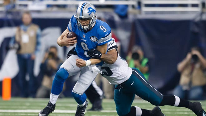 Detroit Lions quarterback Matthew Stafford rushes against the Philadelphia Eagles on Thursday, Nov. 26, 2015.