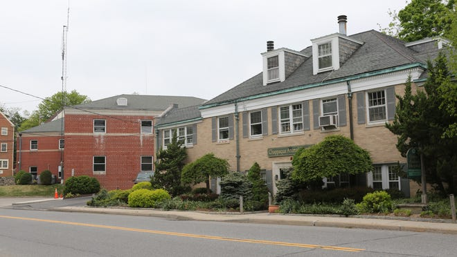 A view of 495 King Street in Chappaqua. The building now occupied by the Chappaqua Animal Hospital was proposed to be developed for affordable housing, but is now under contract for purchase by the Chappaqua Fire Department, visible on the left, which wants the property for its future expansion.