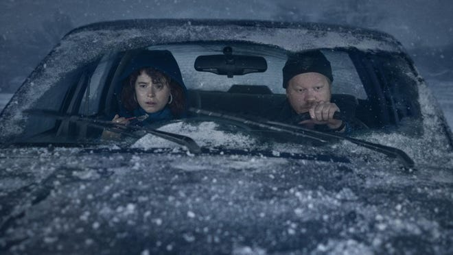 """(L-R) Jessie Buckley and Jesse Plemons co-star in """"I'm Thinking Of Ending Things."""""""