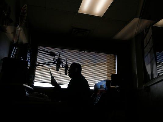 FMN-RADIO-0503-02.jpg