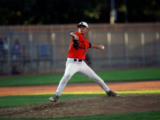 Dallas Tigers' Eli Davis pitches against D-BAT Elite