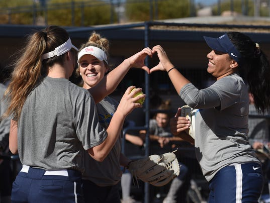 636618888703186131-Nevada-Softball-3.jpg