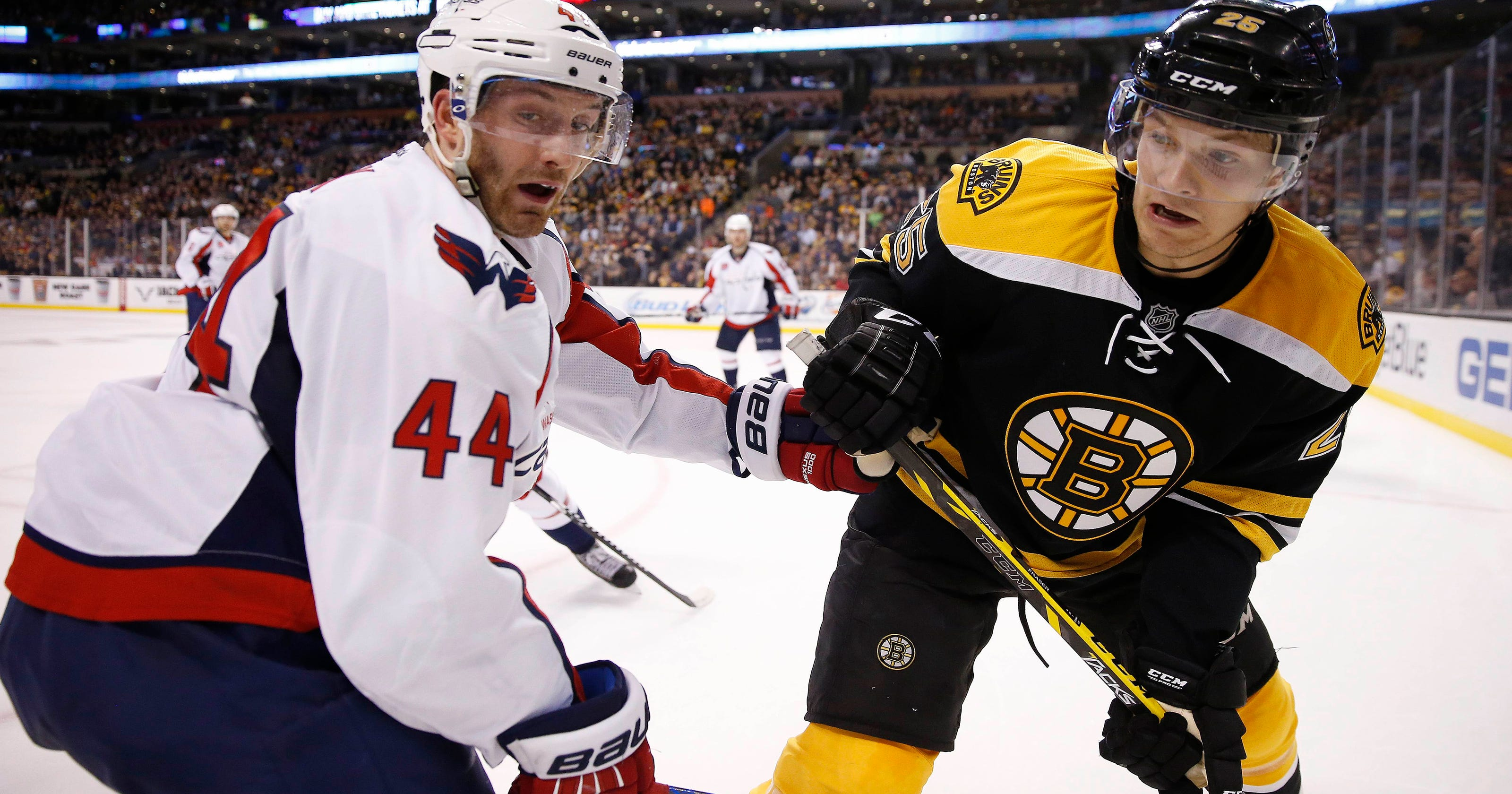 1d63fb4d2ce Ovechkin lifts Caps to 4-0 win over Bruins