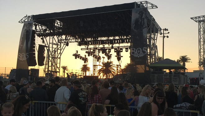 Instagram users @kellykainoa and @onthebringalways scored VIP passes to Monday's Billy Currington concert at the Ventura County Fair.