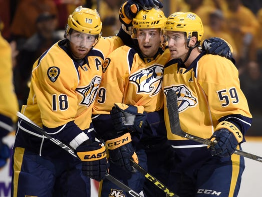 Nashville Predators right wing James Neal (18) and