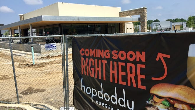 Hopdoddy Burger Bar is coming to Poplar Commons at Poplar and Perkins Extended.