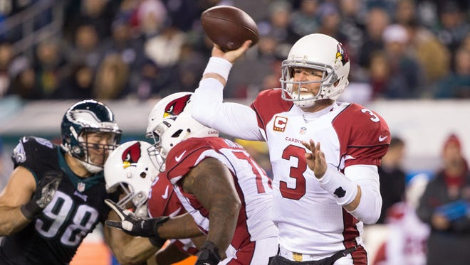 Dec 20, 2015: Arizona Cardinals quarterback Carson Palmer (3) passes against the Philadelphia Eagles during the second half at Lincoln Financial Field. The Cardinals won 40-17.