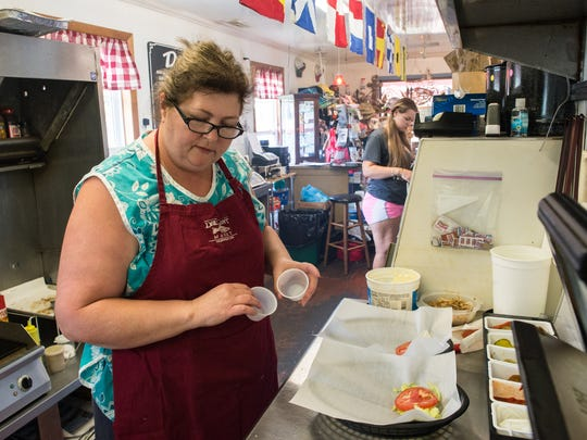 Drum Point Market Crab Cakes