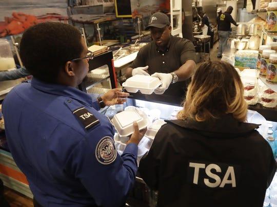 APTOPIX Government Shutdown TSA Workers
