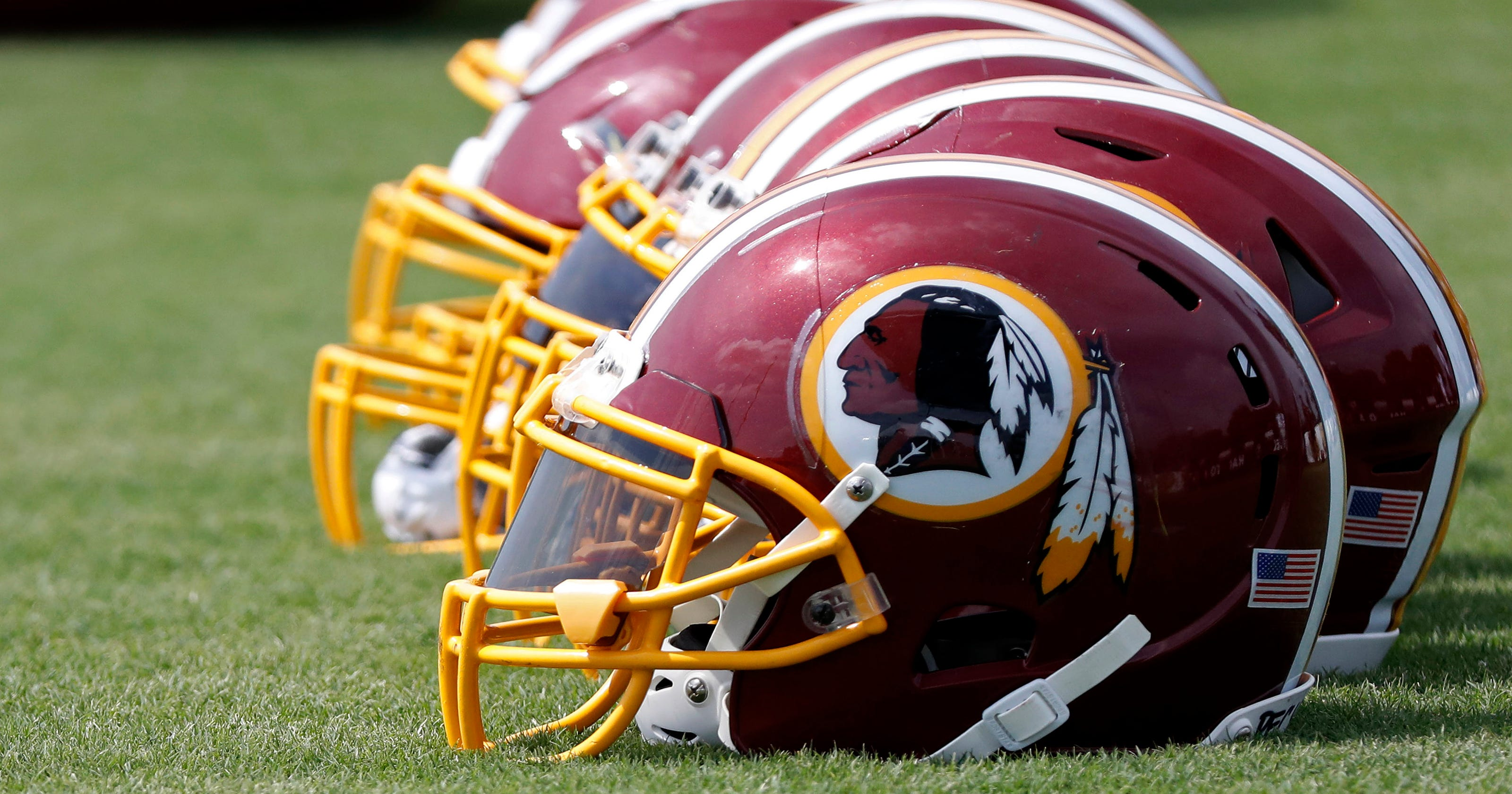 d259dab3 Redskins: Maryland elementary school bans clothing