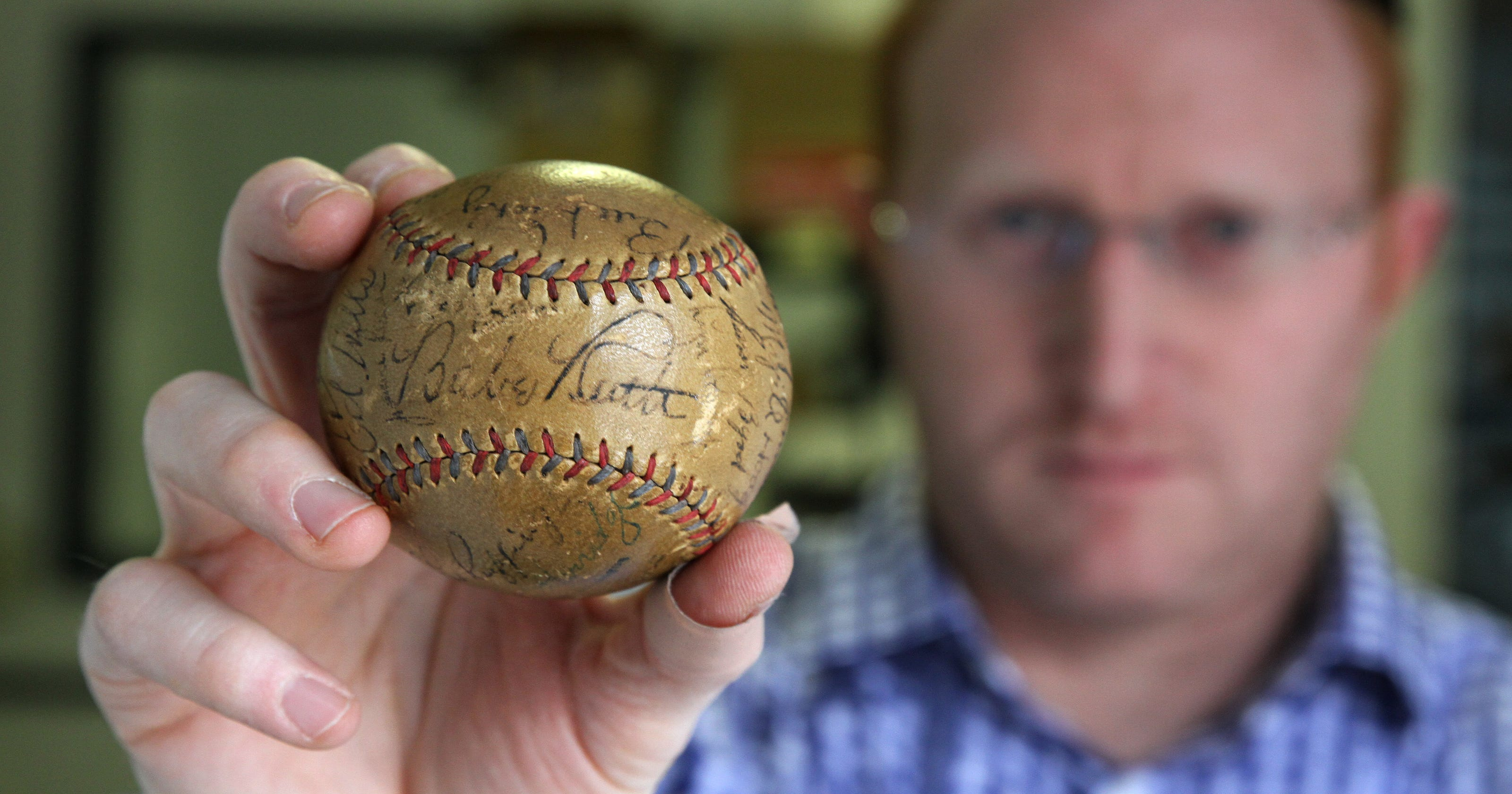 Love Of Baseball Cards Led To 15m Online Business