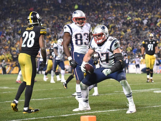 Patriots tight end Rob Gronkowski celebrates his critical two-point conversion catch last week against Pittsburgh.