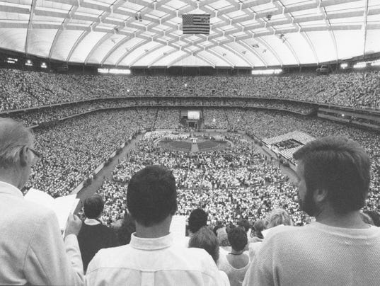 636464454413820511-ruck-pope-silverdome2.jpg