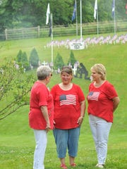 Friends and family of Mark Curry gathered to remember fallen veterans Saturday.