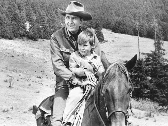 Fess Parker's son Eli visits the filming of Smoky,