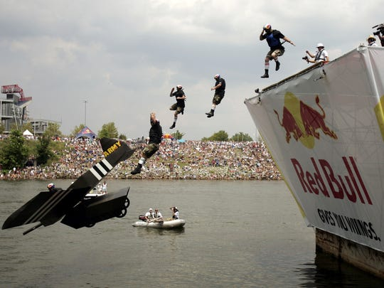 """Red Bull Flugtag contestant """"Army Strong"""" dives into"""