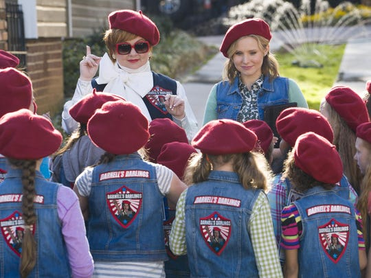 """Melissa McCarthy, background left, and Kristen Bell star in """"The Boss."""""""