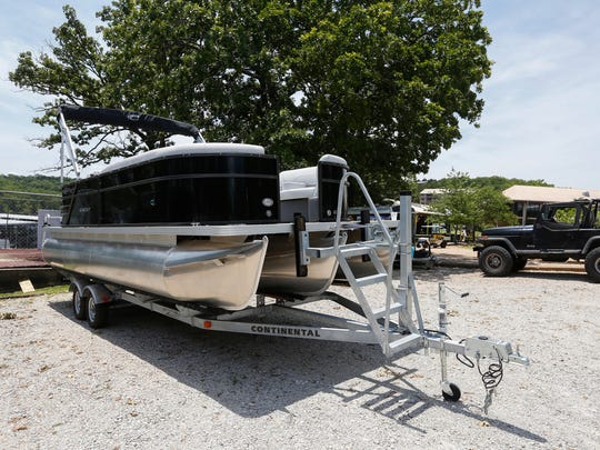 A married couple from Virginia bought this pontoon boat from MarineMax Table Rock Lake sight unseen back in 2018. The dealership closed July 31, 2019.