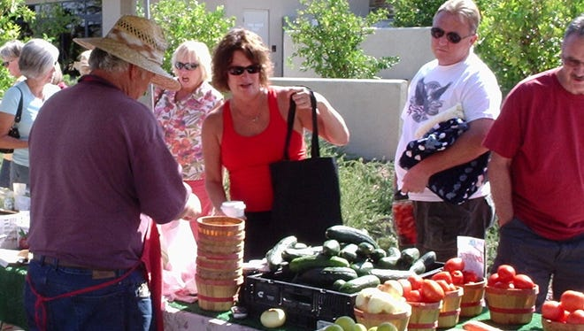 More than 200 people attended Trilogy at Vistancia's inaugural Farmers' Market on September 26, an event that will continue the fourth Friday of each month through May 2009.