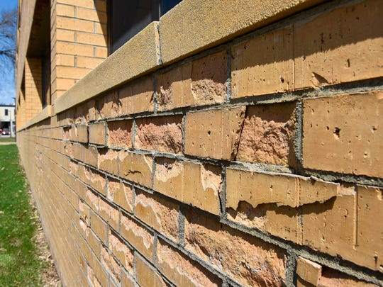 Damaged brick from freezing water on the Engineering
