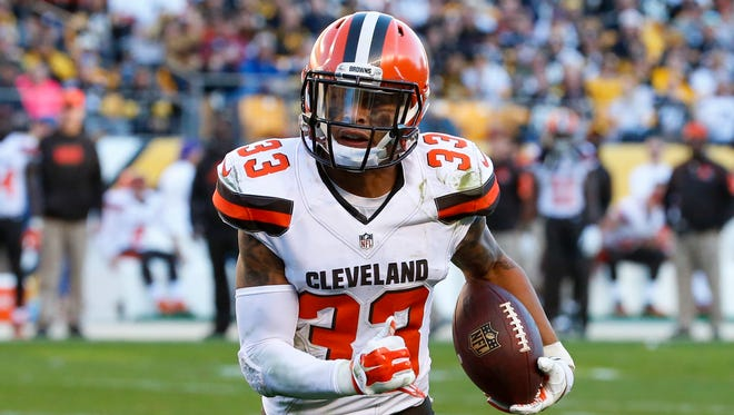 Cleveland Browns free safety Jordan Poyer (33) plays in an NFL football game, against the Pittsburgh Steelers, Sunday, Nov. 15, 2015, in Pittsburgh.