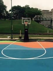 A pop-up RiverPlay park will let Memphians play basketball