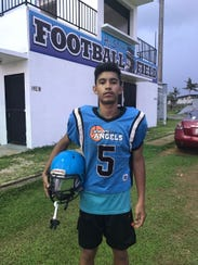 Darren Cepeda (5) quarterback for the Angels Metgot.