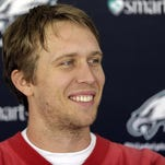 Quarterback Nick Foles will start for the Eagles against the Raiders on Sunday.
