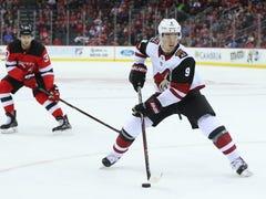 Coyotes head to Philadelphia still seeking season's first win