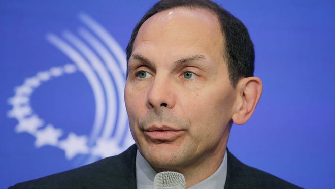 Robert McDonald, CEO and president of Procter & Gamble, is President Barack Obama's choice to be secretary of Veterans Affairs, an administration official said Sunday.