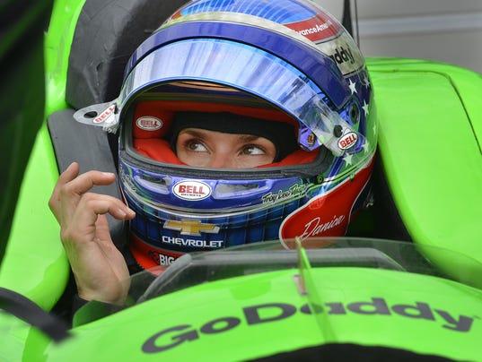 636619999403497970-Indy16-ke-07.jpg