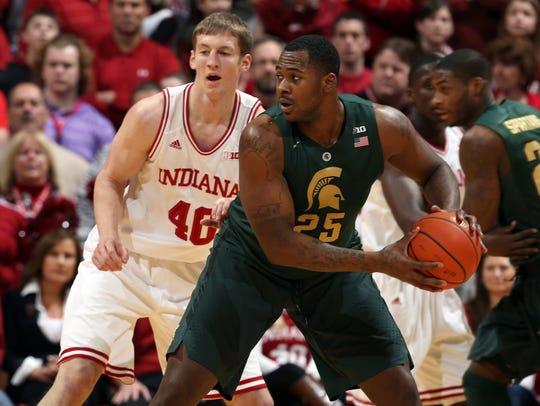 Indiana Hoosiers forward Cody Zeller (40) guards Michigan