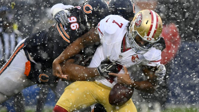 After throwing for 296 yards and three TDs last week, 49ers quarterback Colin Kaepernick completed just one pass for 4 yards on Sunday in Chicago.