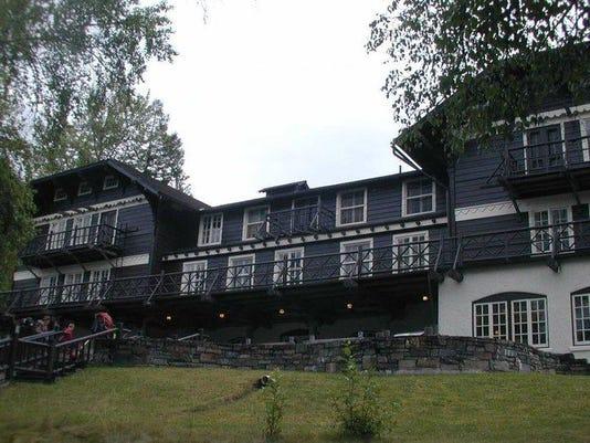 Glacier Lodges 2