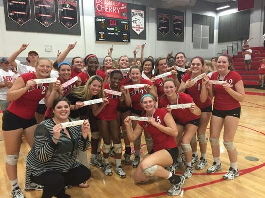 The Leon volleyball advanced to the state semifinals