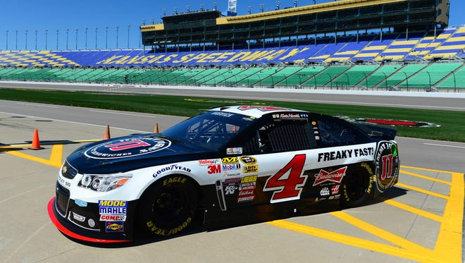 Kevin Harvick will start on the pole for the second time this season.