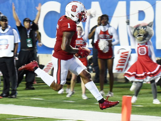 NC State's Jaylen Samuels makes a touchdown during