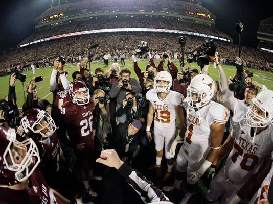 CORRECTION_Texas_Texas_A_M_Resume_Rivalry_Football_22612.jpg