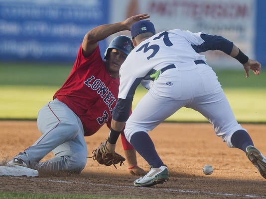 BUR20150619lakemonsters6